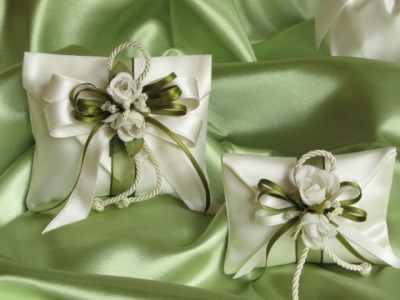 Linea bomboniere fiori panna -