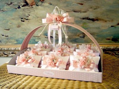 Linea bomboniere fiori rosa -